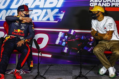 Verstappen, 2022 Mercedes iddiaları yerine 2021'e odaklanıyor