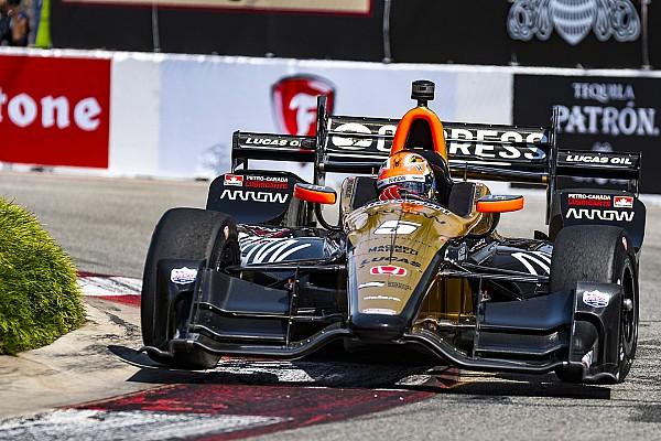 IndyCar IndyCar in Long Beach: James Hinchcliffe meldet sich mit Sieg zurück