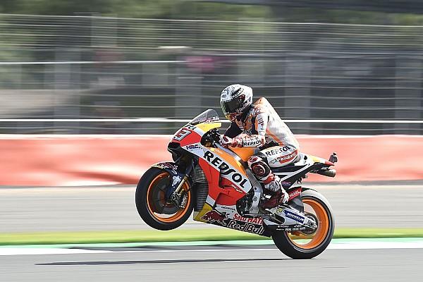 MotoGP Гран Прі Британії: Маркес на мить випередив Россі у боротьбі за поул