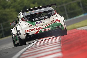 WTCC Yarış raporu Macaristan WTCC: Monteiro açılış yarışında zaferin sahibi