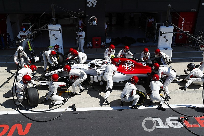How a wonky pit box underlines F1's most ambitious comeback
