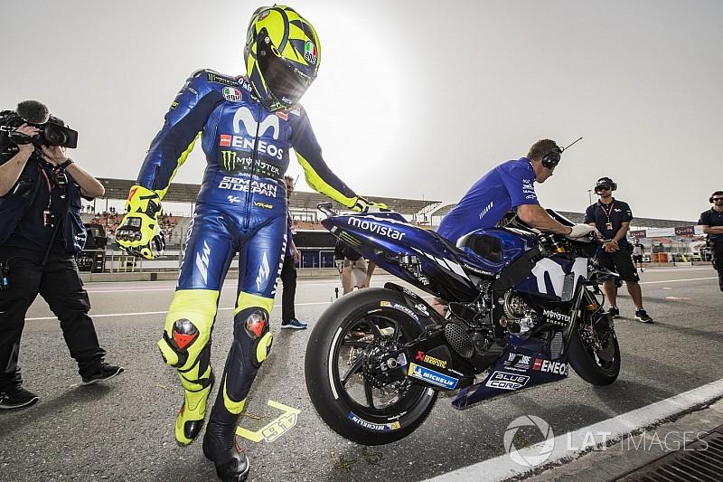 MOTO GP  2018 GRAND PRIX DU QUATAR - Page 2 Motogp-qatar-gp-2018-valentino-rossi-yamaha-factory-racing-7847649