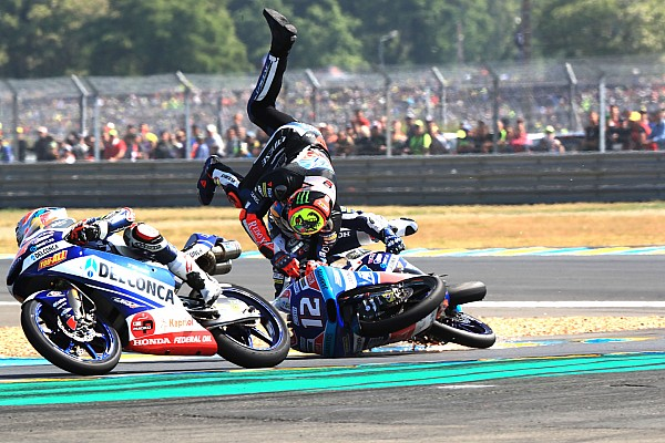 Fotogallery: il rocambolesco GP di Francia di classe Moto3