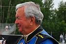 NASCAR Piloto de 90 anos compete em prova oficial nos EUA