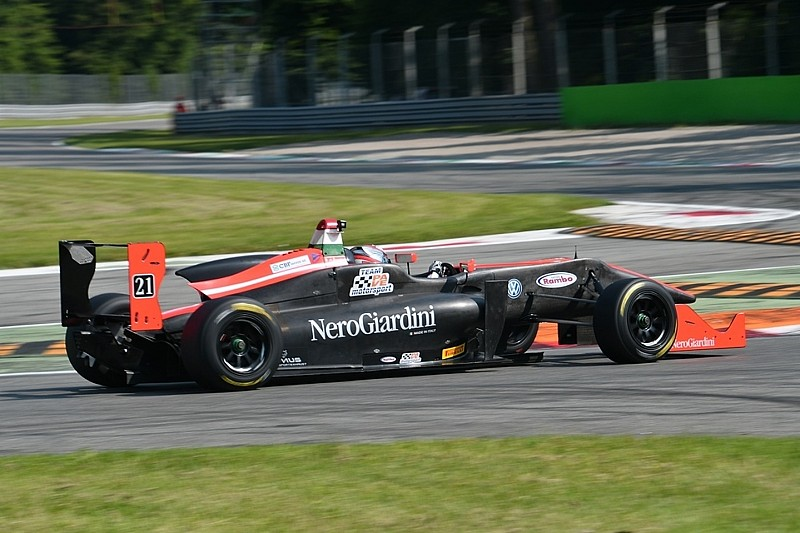 F2000 Italian Trophy: sfida adrenalica al Most con oltre 20 monoposto in griglia