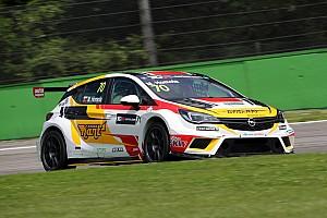 TCR Qualifiche Mat'o Homola piazza la Opel in pole position al Salzburgring