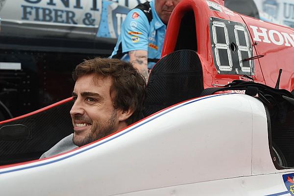 Galería: El primer día de Fernando Alonso en IndyCar