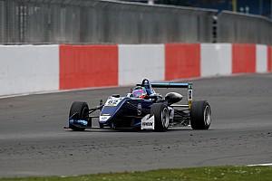 F3 Europe BRÉKING Előzésparádéval nyitotta a szezont Habsburg Silverstone-ban