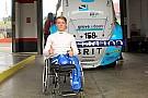 سلاسل متعددة مونغر يقود أول سيارة سباق له بعد الحادثة