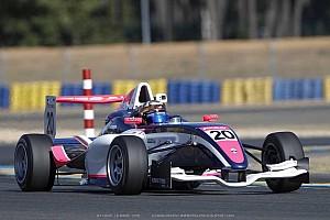 法国F4:中国车手叶一飞获得年度总冠军