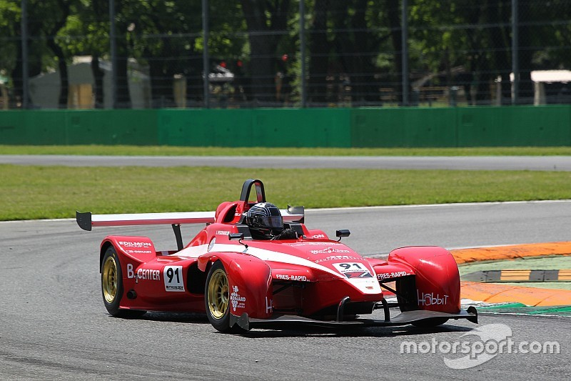 Lorenzo Pegoraro si impone in Gara 1 a Monza