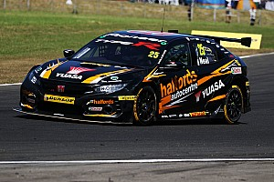Neal, Cammish stay on at Honda BTCC squad