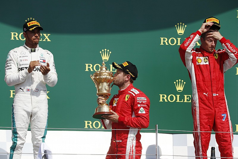 Vettel gana en Silverstone ante remontada de Hamilton
