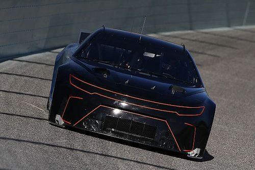 NASCAR отложила переход на новый регламент