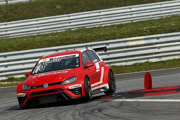 Trainingsauftakt in Oschersleben: Neue TCR Deutschland startet in Premierenjahr