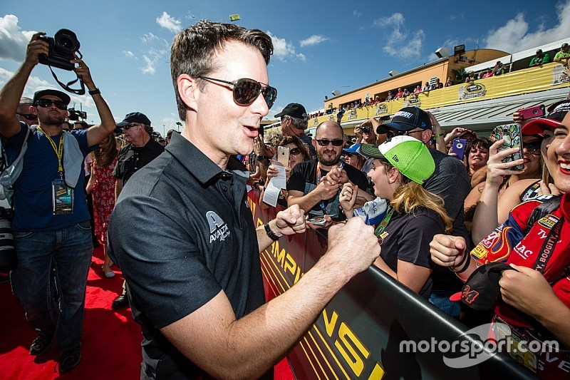 Jeff Gordon's advice to drivers: Fans want to see the 'true you'