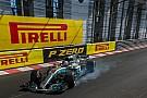 Hamilton culpa a los neumáticos de su caída en la segunda práctica