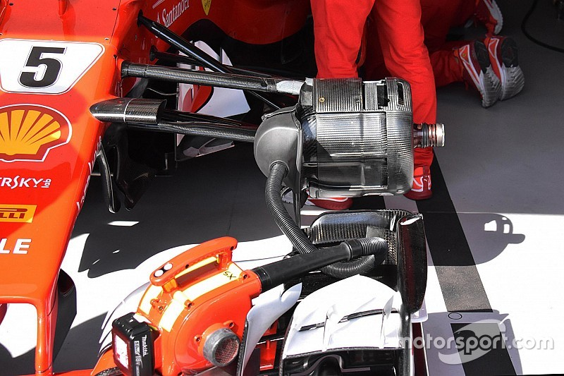Ferrari: diversi gli sfoghi d'aria sui cestelli dei freni dei due piloti