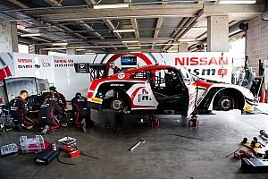Гонки на выносливость Самое интересное Таймлапс: механики Nissan 14 часов чинят разбитый GT-R