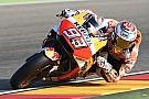 Marquez sbanca Aragon e scappa. Rossi stoico 5°, Dovi solo 7°