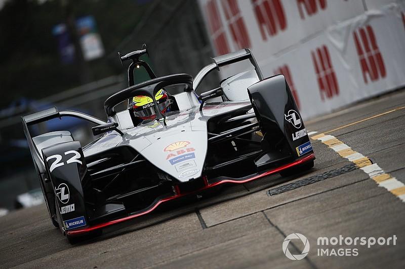 Rowland manda en la primera práctica en Hong Kong