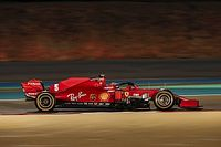 "Vettel: Ferrari must be ""sly as a fox"" to score in Bahrain"
