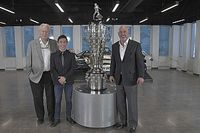 Indy 500 galibi Sato'nun yüzü 2. defa Borg-Warner Kupası'na işlendi
