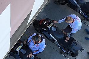 Ecco la Honda RC213V di Jorge Lorenzo per i test di Valencia: è nera con il numero 99 rosso