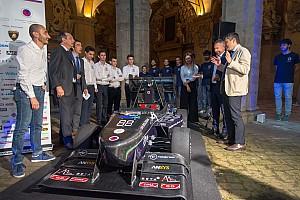 UniBo Motorsport ha presentato la sua F. SAE e la moto elettrica