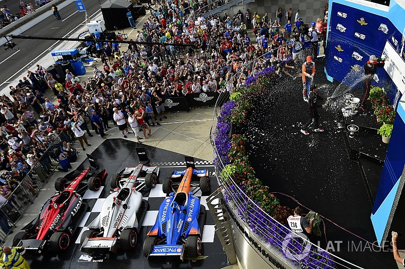 Will  Power le da al equipo Penske su triunfo 200
