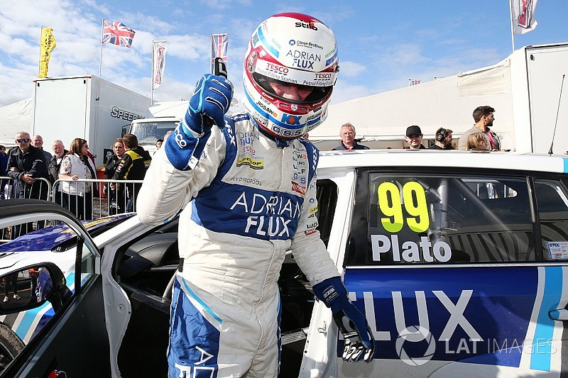 Knockhill BTCC: Plato edges Sutton for first pole in a year