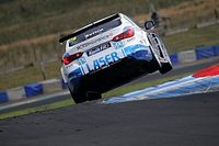 Knockhill BTCC: Sutton holds off Turkington again