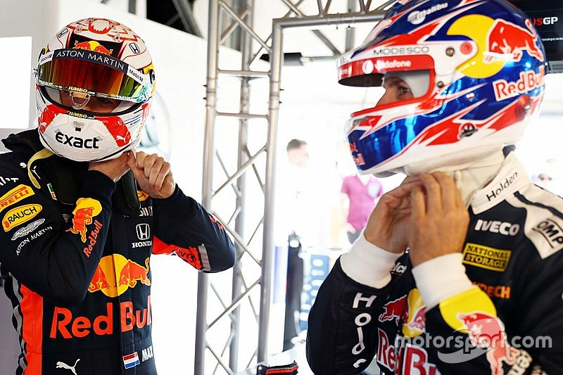 Verstappen stapt in Red Bull Holden supercar naast Jamie Whincup