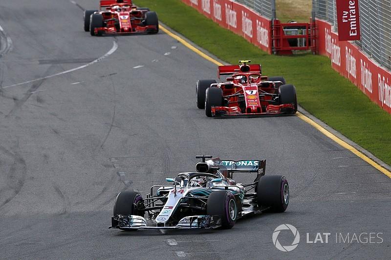 """Hamilton: """"De repente Raikkonen está conduciendo muy bien"""""""