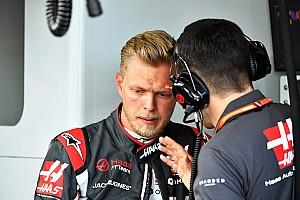 "Magnussen: ""Alonso está aborrecido por estarmos na frente"""