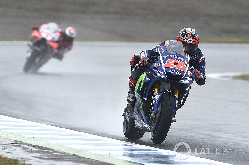"""Marquez keeping """"half an eye"""" on Vinales in title fight"""