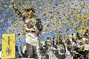 NASCAR Sprint Cup Crónica de Carrera Harvick suma su segundo triunfo dominando en Las Vegas