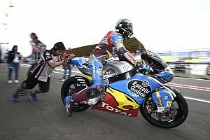 Moto2 Verslag vrije training Morbidelli deelt ook de lakens uit in natte derde training