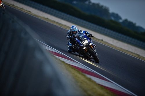 El Yamaha GMT94 de Checa gana en Eslovaquia y se pone a un punto del líder