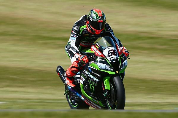 Superbike-WM Superbike-WM in Donington: Tom Sykes setzt Siegesserie fort