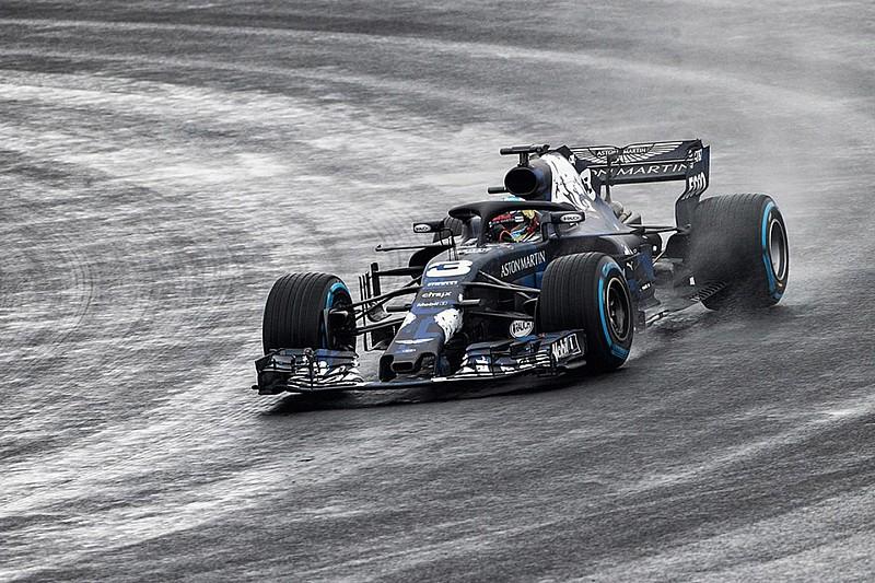 Ricciardo jajal RB14 di trek Silverstone
