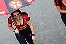 Grid girls abrilhantam provas da MotoGP e da Stock Car