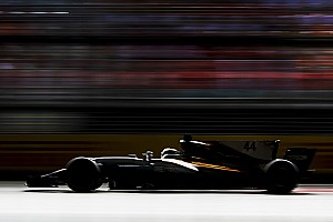 Hamilton: Mercedes 2017'deki dayanıklılığını 2018'e taşıyabilir