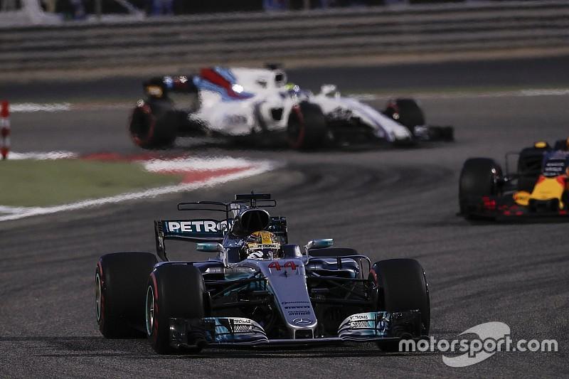 Hamilton szerint varázslatos lenne az élmezőny a McLarennel és a Williamsszel