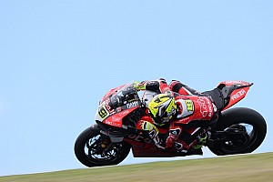 Phillip Island WSBK: Bautista beats Rea for second straight win