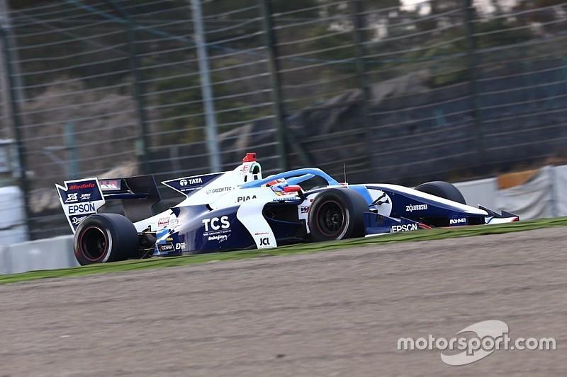 Alex Palou se luce en su primera toma de contacto con el nuevo Súper Fórmula