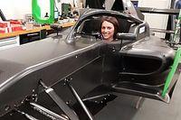 Diaporama : Sharon Scolari dans le cockpit de la Formule Régionale