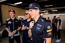Forma-1 Verstappen szerint ő már követni sem tudja, mi mindent csinál Hamilton a pályán kívül