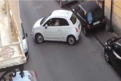Most sem hazudtolta meg magát az olasz forgalom, vígjátékba illő jelenet játszódott le