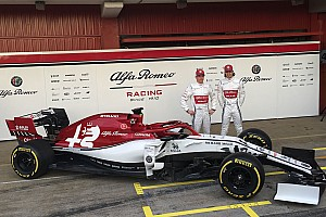 Hivatalosan is bemutatkozott az új F1-es Alfa Romeo: Räikkönen már a 2019-es szerelésben